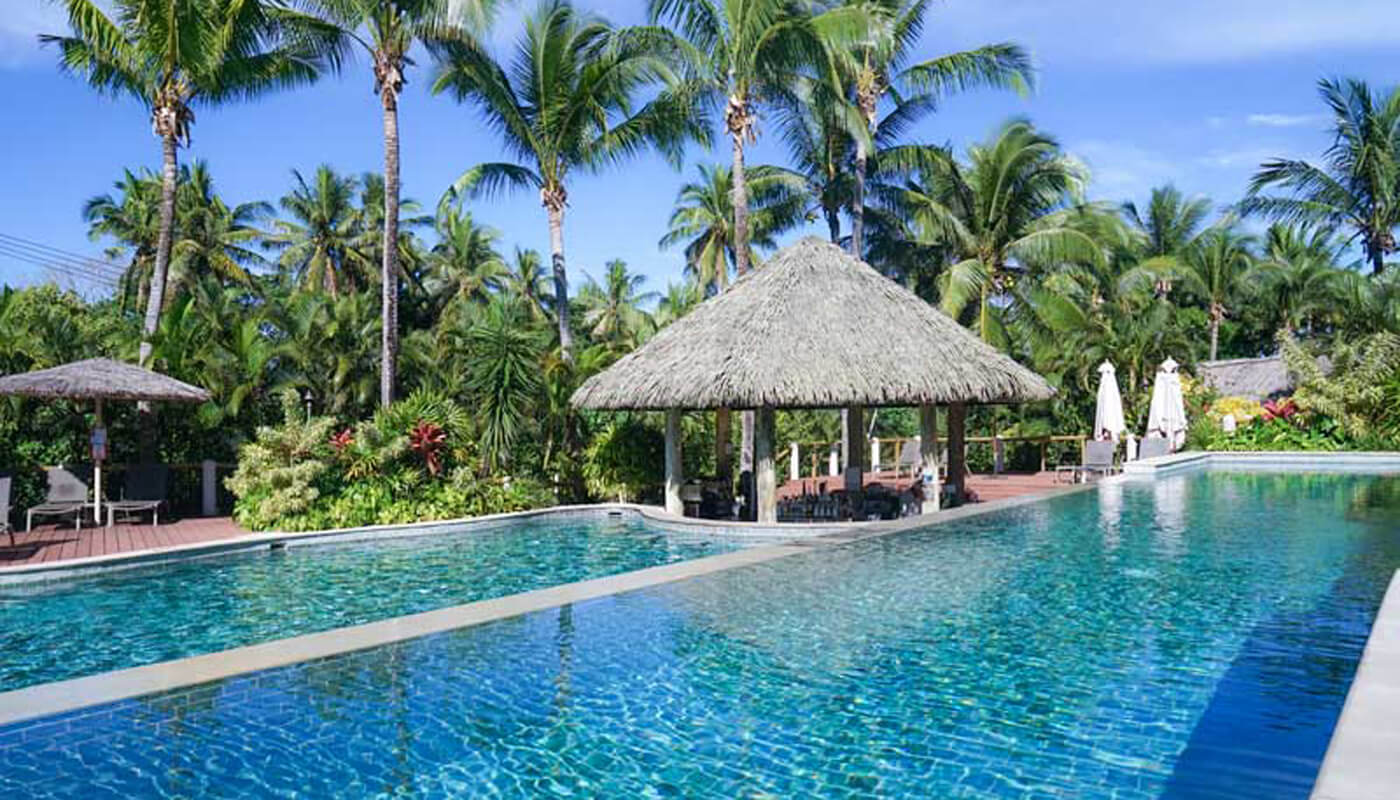 Outrigger Fiji Beach Resort adult pool